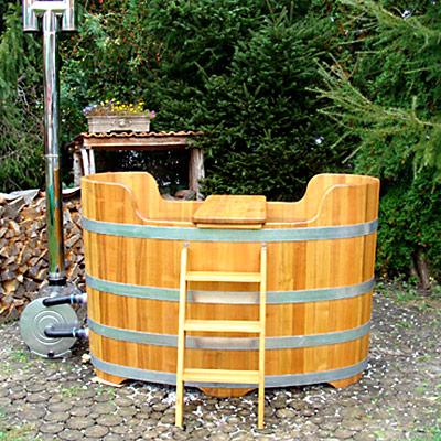Badezuber mit Holzheizung