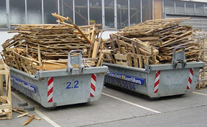Palettenholz - trocken zum Verarbeiten